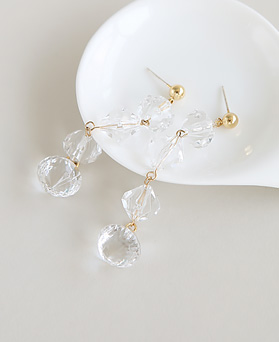 1045944 - <ER1397_CG08> [Silver Post] clear long drop earrings