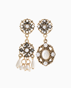 1046137 - <ER1440_CH17> Pearl earrings