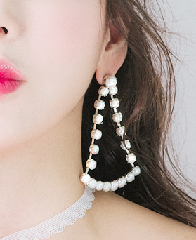 1046424 - <ER1440_CF18> swing show earrings