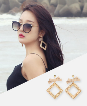 1047010 - <ER1684_CB09> [clip type] Nirratan earrings