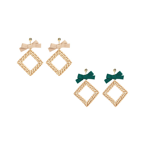 1047010 - <ER1684_CB09> [clip type] Nirratan earrings