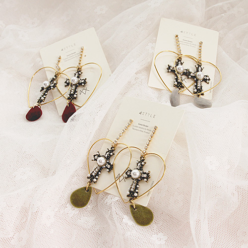1047101 - <ER1752_CH07> [handmade] tania heart & cross earrings
