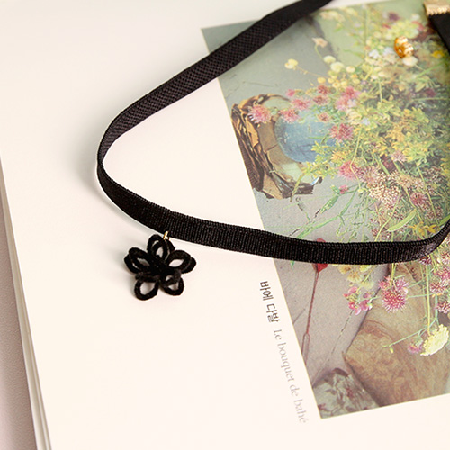 1047119 - <NE501_IH12> black Flower choker necklace