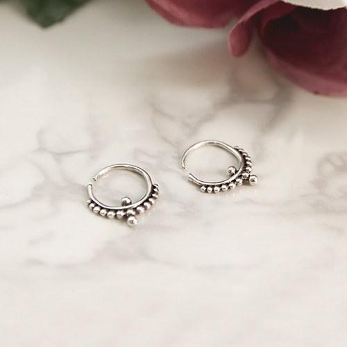 1047129 - <ER1764_BD00> [Silver] mana antique earrings