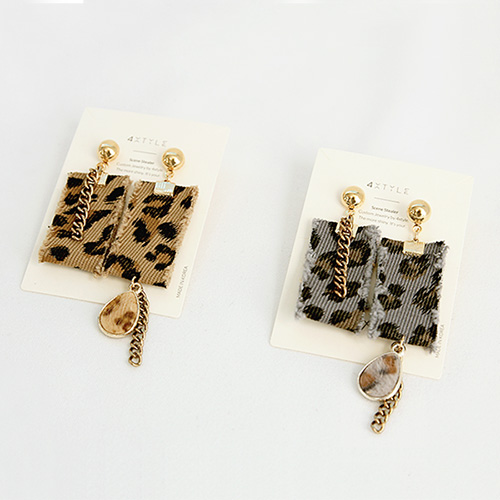 1047196 - <ER1781_IF02> Chunky Unbalanced earrings