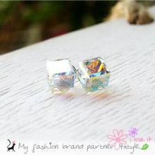 10657 - <ER287A> [Silver] crystal cube earrings