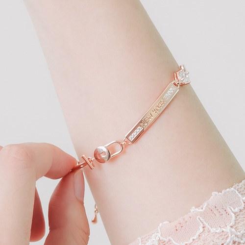 1046136 - <BC701_HG05> New York key luxury bracelet