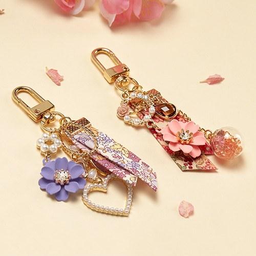 1047477 - <AP0004> [order congestion] [handmade] Flower in spring air paddle keyring