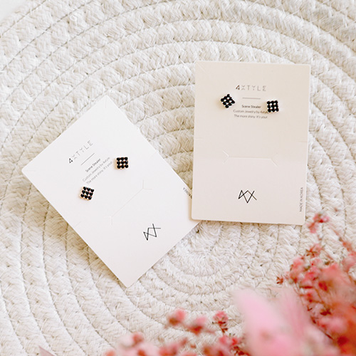 1047547 - <ER1926_DA24> [Silver] Tommy Cube earrings