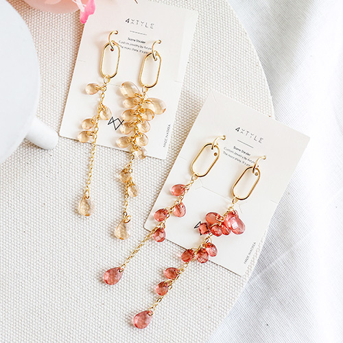 1047557 - <ER1920_DH04> [clip type] plot crystal long earrings
