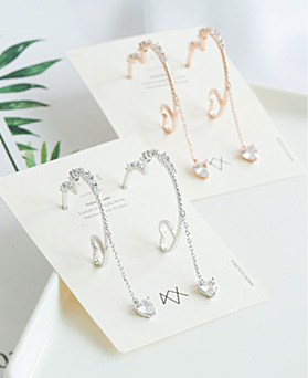 1047617 - <ER1937_CE09> Nomi heart ring earrings