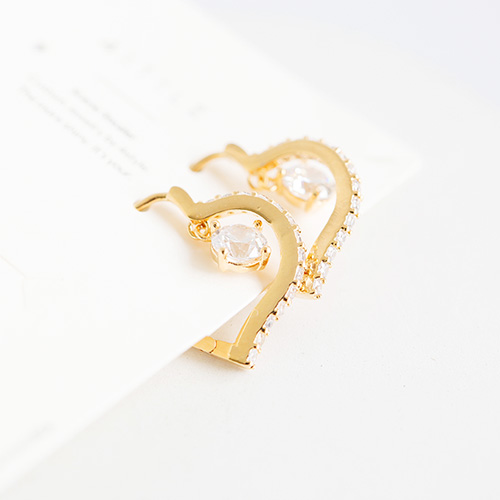 1047739 - <ER1955_DI18> heart cubic ring earrings
