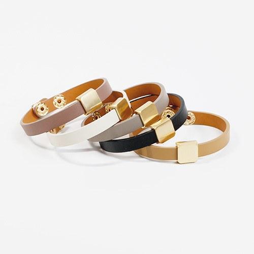 1047823 - <BC772_HC08> metal cube leather bracelet