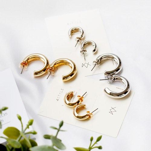 1047870 - <ER1985_CE19> bold metal ring earrings