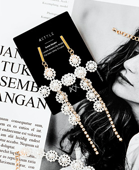 1047930 - <ER1996_IF03> Aria de pearl Flower earrings