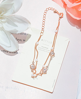 1047963 - <BC777_IH15> Lani pearl chain bracelet