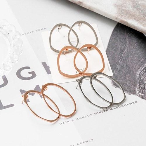 1048158 - <ER2021_CA11> [Stainless steel] luster line earrings