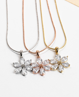 1048297 - <NE554_IH03> merry Flower crystal necklace