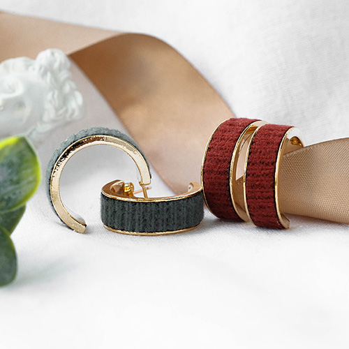 1048335 - <ER2056_CF19> Fallin knit ring earrings