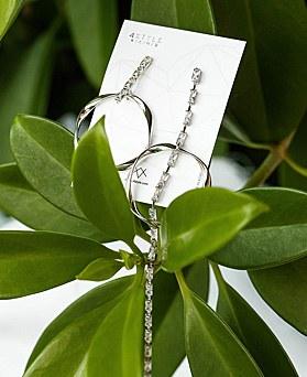 1048420 - <ER2080_CE21> Unbalanced crystal line earrings
