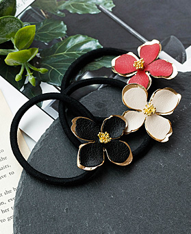 1048473 - <HA719_S> Hearts Flower ponytail