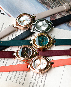 1048551 - <WC127_BE10> Turing leather watches