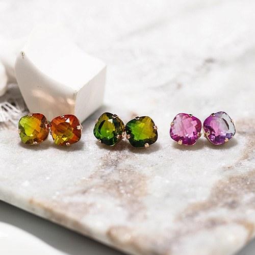 1048565 - <ER2100_DD17> [Silver Post] Lucid crystal earrings