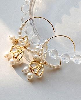 1048670 - <ER2121_CH23> Fly pearl ring earrings