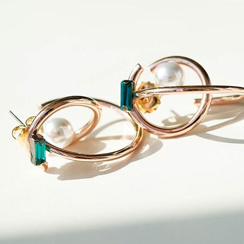 1048758 - <ER2126_CD10> Beater round pearl earrings
