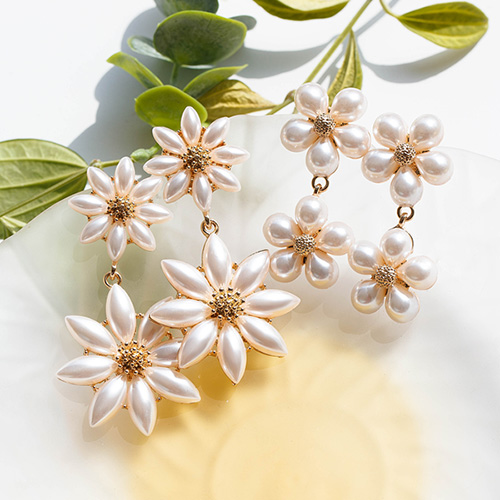 1048823 - <ER2125_CH08> [clip type] Sharen Flower pearl earrings