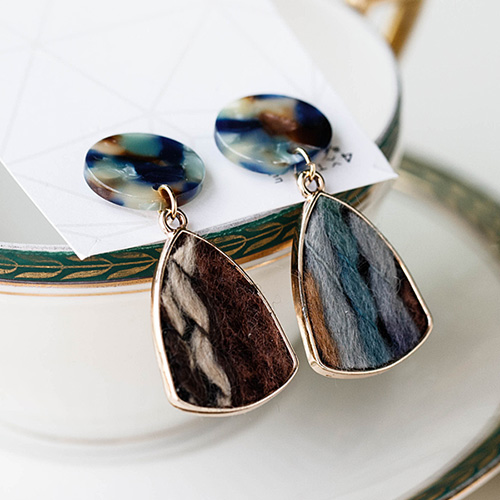 1048872 - <ER2119_DD11> [clip type] Autumn drop earrings