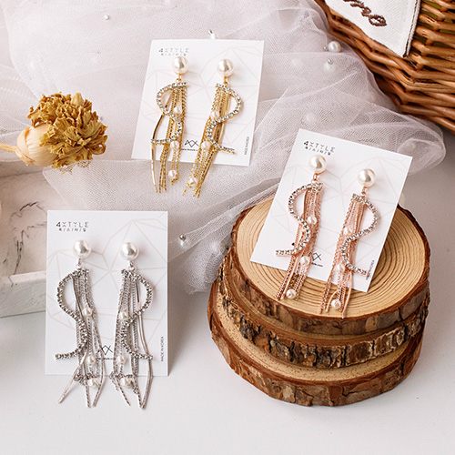 1048981 - <ER2163_CB11> [Silver Post] Lumiere pearl earrings