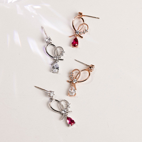 1049124 - <ER2174_DF27> [Silver Post] rhyme heart earrings