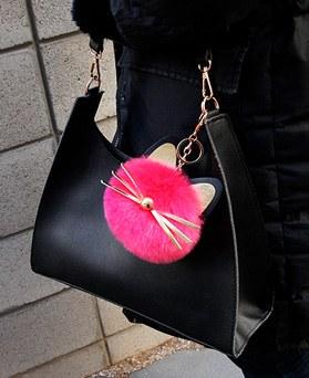 1049256 - <FI280> Gold point pompom cat bag charm key ring