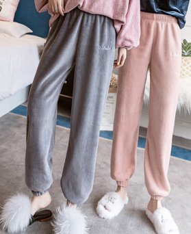 1049411 - <FI303> Housekeeping Angel Sleep Pants