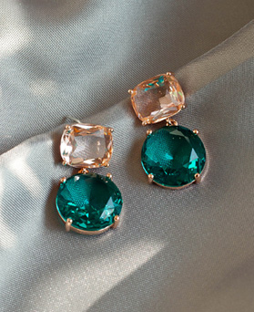 1049466 - <ER2203_DI07> [Silver Post] pore green round earrings