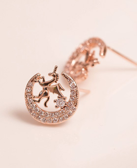 1049506 - <ER2211_DH28> [Silver Post] unicorn moon earrings