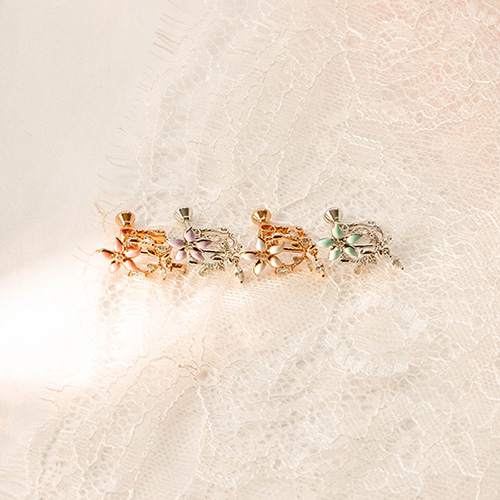 1049541 - Stem Flower clip earring
