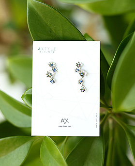 1050167 - <ER2256_IF04> [Swarovski] Aramode Flower Unbalanced earrings