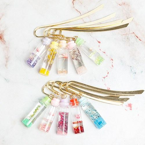 1050229 - [handmade] Flower Bottle Bookmark